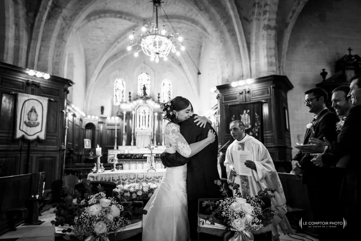 photographe mariage oise beauvais-Mariage-embrassade-Olivia_Bastien-Château-des-Saules_Ansacq_Le-Comptoir-Photo_Photographe-Beauvais_Oise