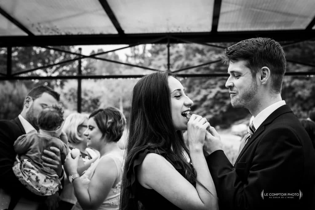 Mariage- La Ferme de Maubuisson - Verneuil en Halatte - Compiegne -vin d'honneur- rire-émotion-Le Comptoir Photo - Photographe mariage oise beauvais-93