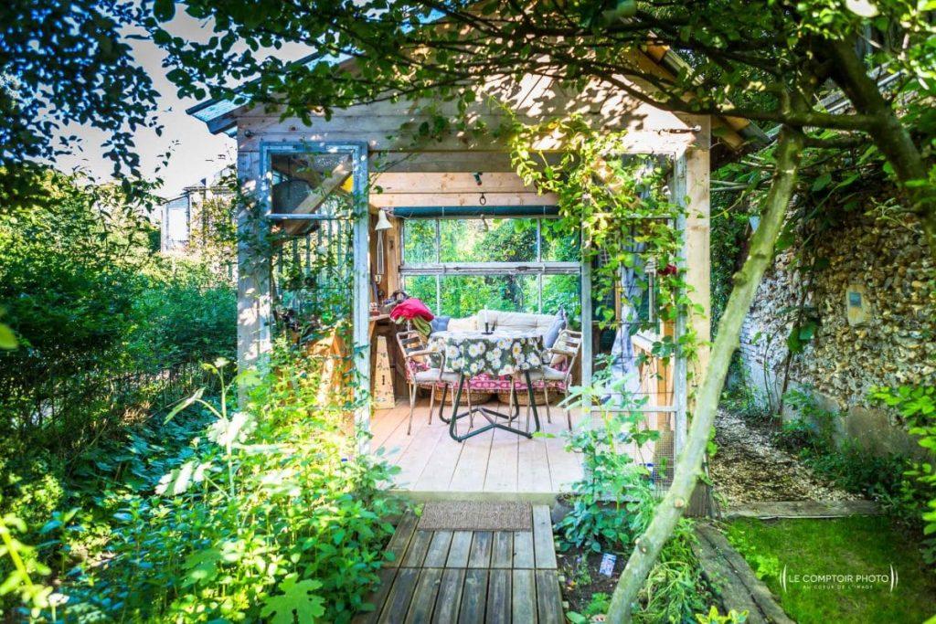"""alt=""""jardin dépendance La chaise Verte_Le Comptoir Photo Beauvais"""""""