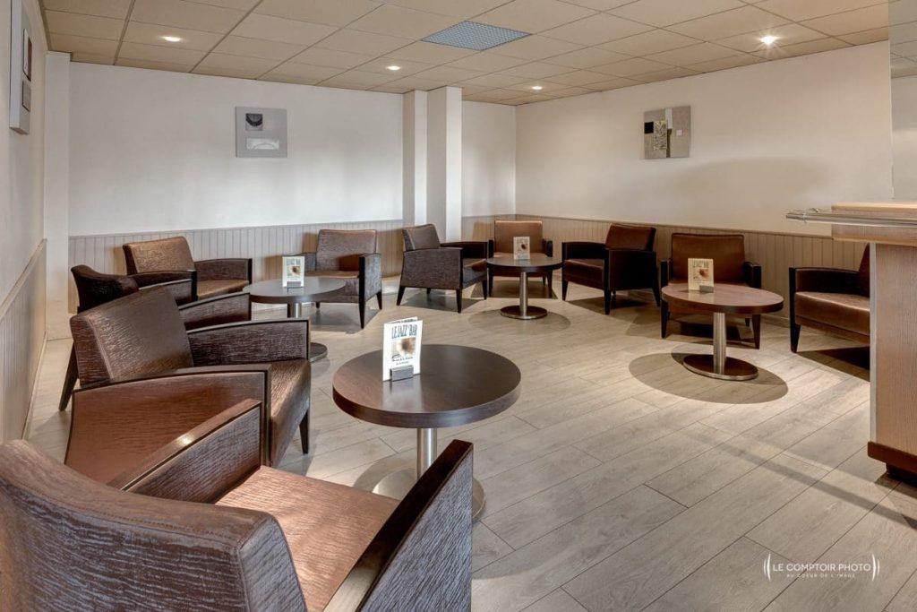 """alt= """"Entreprise_Corporate_Reportage_Hotel-mercure_Beauvais_restaurant_hotel_salle restaurant_salle rendez vous business_Le-Comptoir-Photo_Beauvais """""""