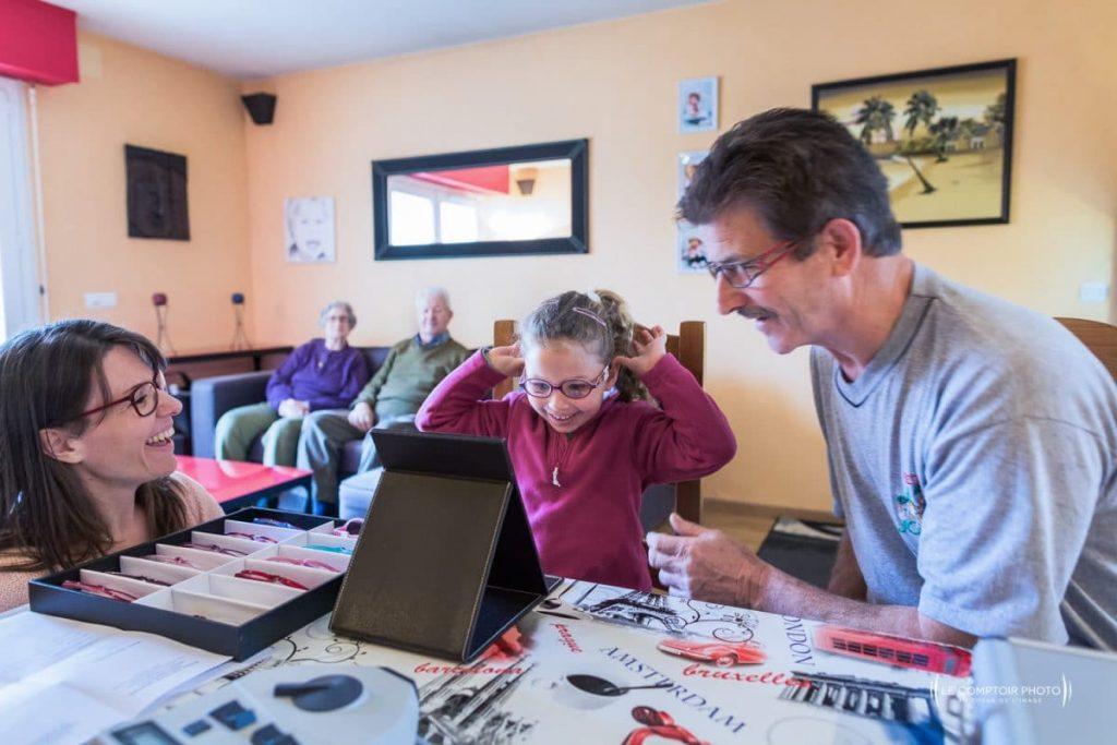 """alt= """" Entreprise_Corporate_Reportage_Optic-Mobile-60_optique-a-Domicile_Nogent-sur-Oise_analyse vision enfant famille_Le-Comptoir-Photo"""