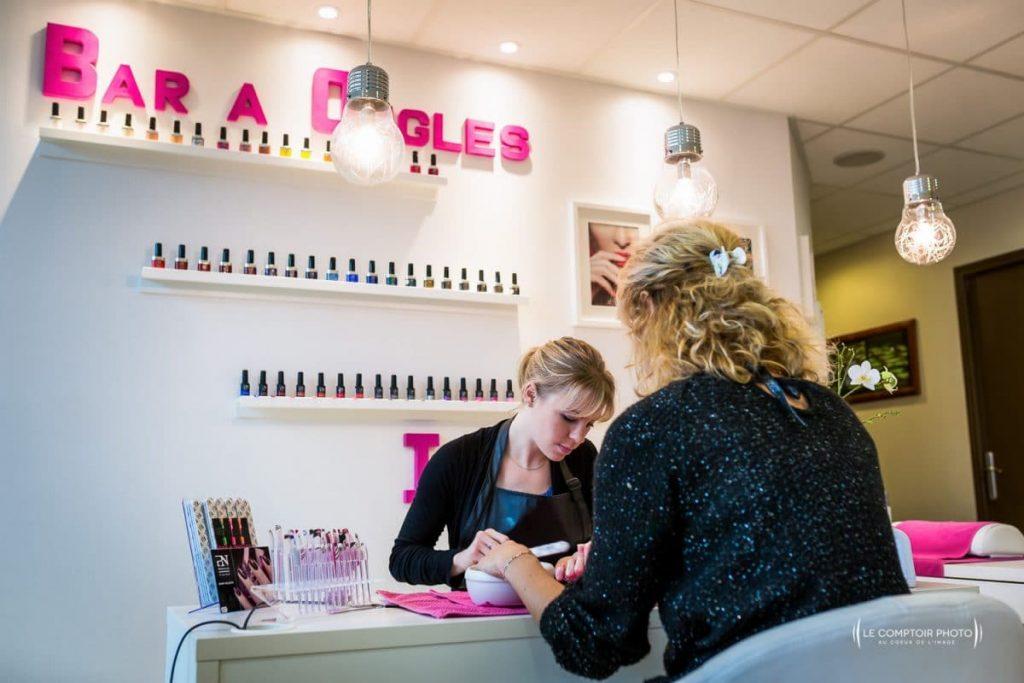 """alt= """" Entreprise_Corporate_Reportage_Zenitude_Beauvais_institut-de-beaute_service onglerie Le-Comptoir-Photo_Beauvais """""""