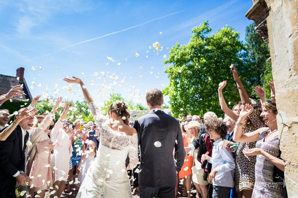 Mariage-chateau des saules-ansacq-hondainville-oise-photographe mariage-oise-beauvais-compiegne-émotion-naturel-Le Comptoir Photo-sortie d'église-3