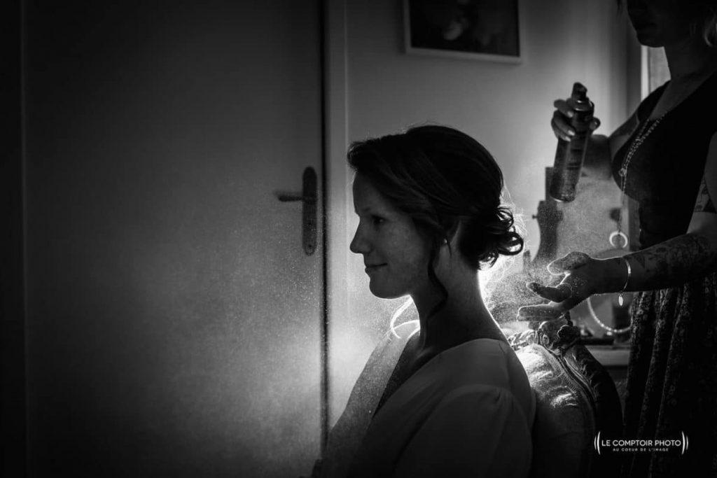 Photographe mariage oise-Beauvais-Compiègne- Mariage franco-canadien-chateau lardier - ruch- bordeaux-libourne-ruch-aquitaine-gironde-émotion-naturelle-Le Comptoir Photo-détails de la coiffure