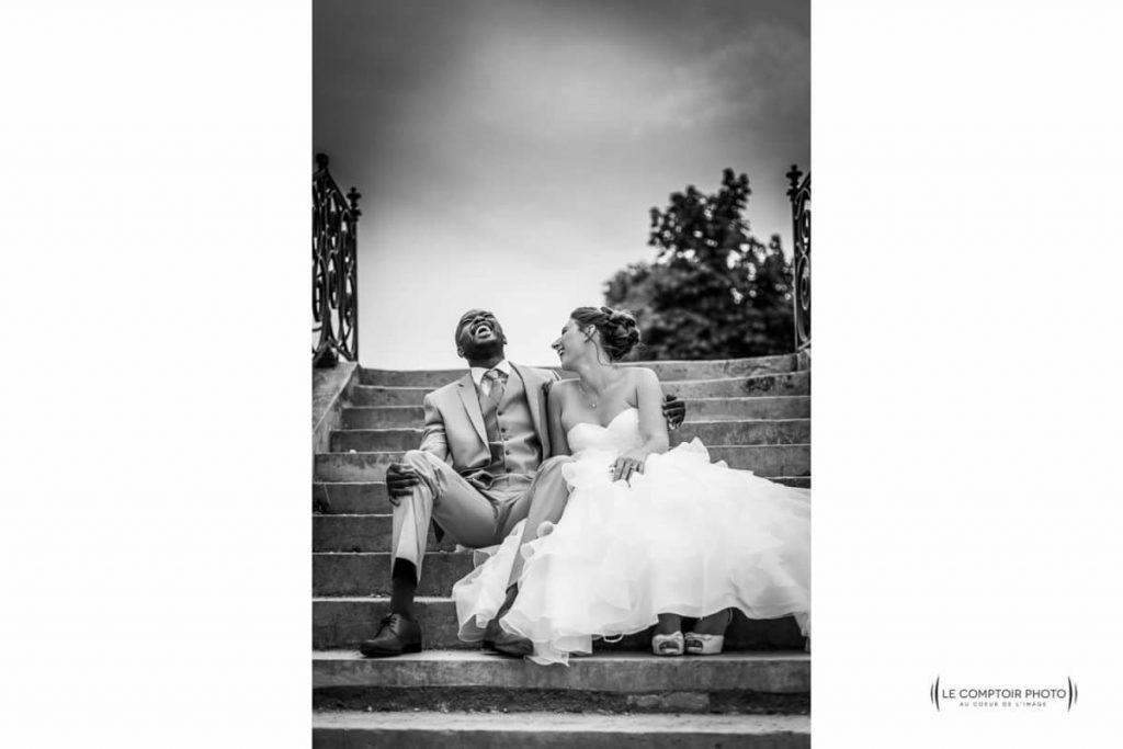 """alt=""""seance couple-rire-amusement-Photographe mariage chateau saint germain en laye-mariage ile de france-yvelines- mariage oise - photographe oise mariage-Le Comptoir-Photo-Beauvais-Compiègne-Chantilly-Picardie-Hauts-de-France"""""""