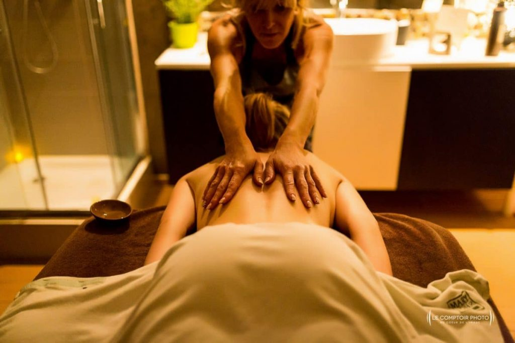 "alt=""Photographe oise beauvais_reportage_entreprise_corporate_institu beaute_massage_Le Comptoir Photo"""