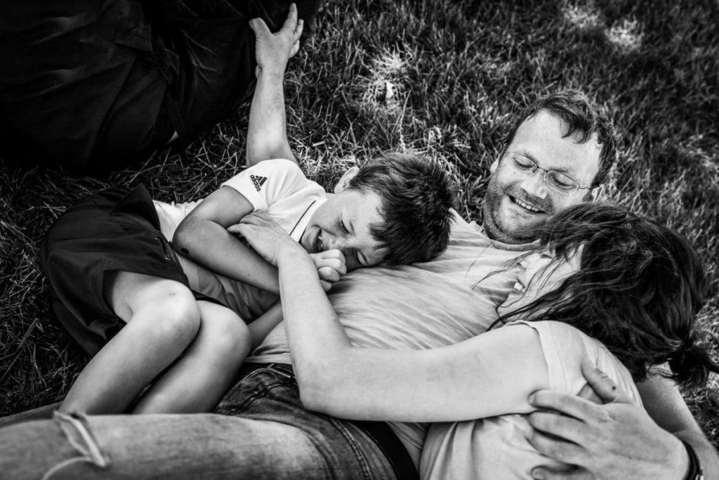 """alt= """" Portrait-Famille_parents-enfants-Loudeac_Bretagne_Le-Comptoir-Photo_Beauvais """""""