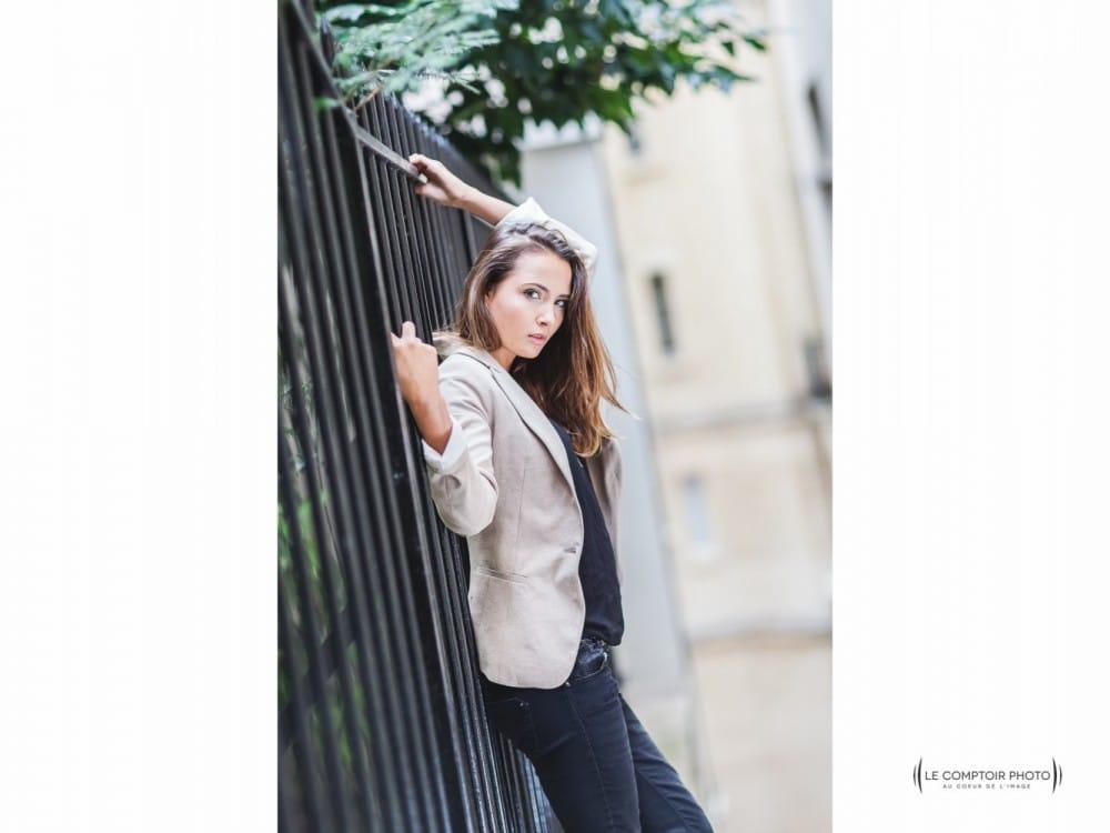 """alt= """" Séance portrait photo Pome rue de Paris_Le Comptoir Photo """""""
