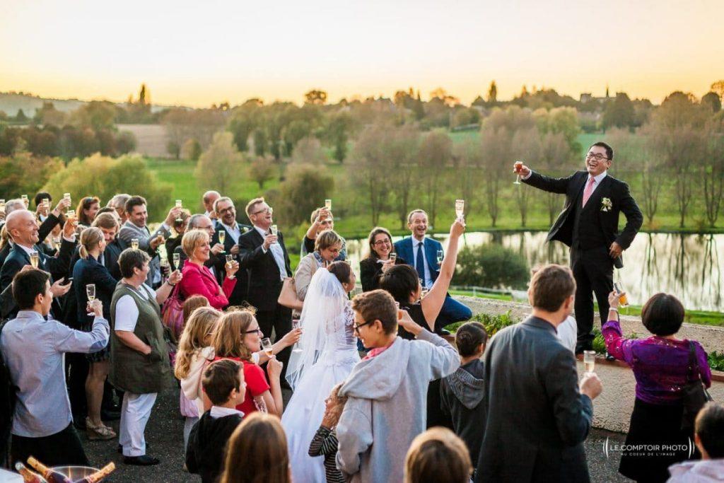 Photographe mariage beauvais oise- Le pré Marie- Ons en braye- vin d'honneur du marié_Le Comptoir Photo- Photographe beauvais mariage