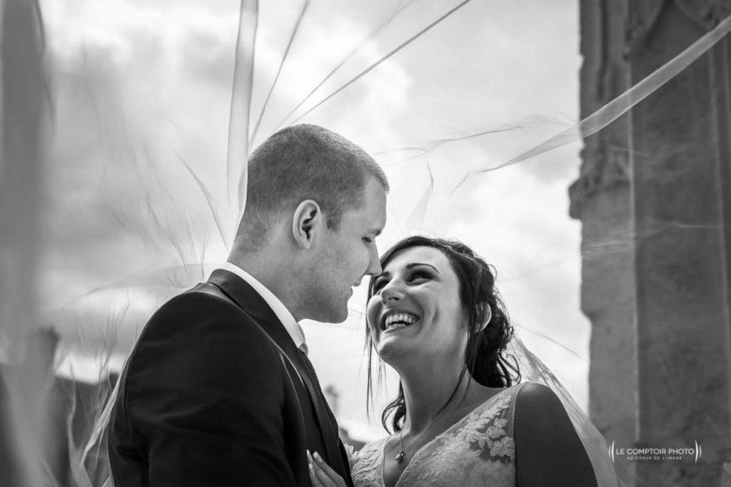 alttarif collection mariage rire des maris sous un voile_le comptoir photo - Photographe Mariage Beauvais