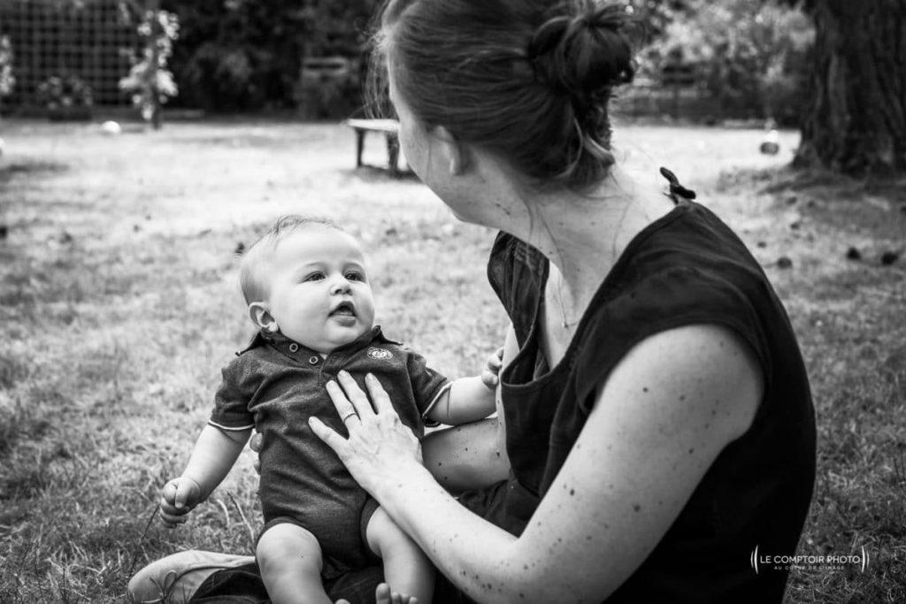 """alt= """" portrait photo nouveau né regard parent enfant Chamant_Le Comptoir Photo_Beauvais """""""