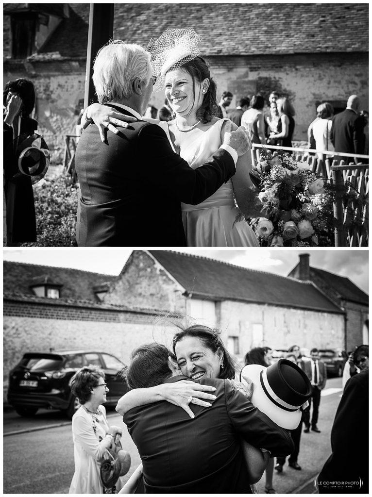 embrassades des invités et mariés