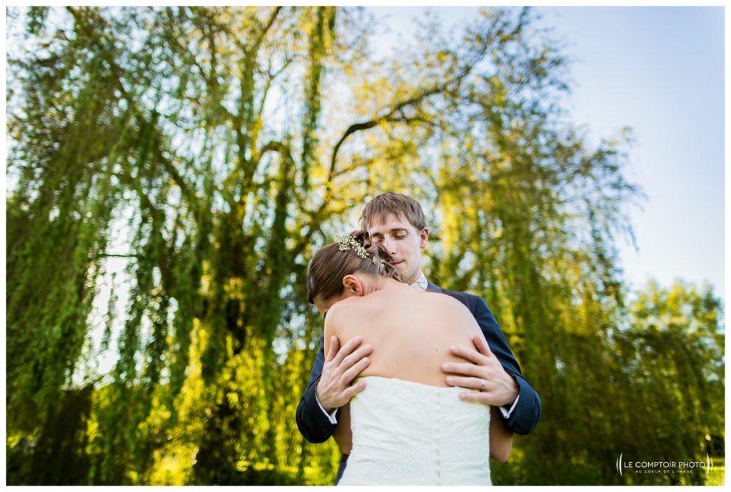 seance couple -photo sur le vif-chateau des saules_Ansacq_Le Comptoir Photo- Photographe oise mariage