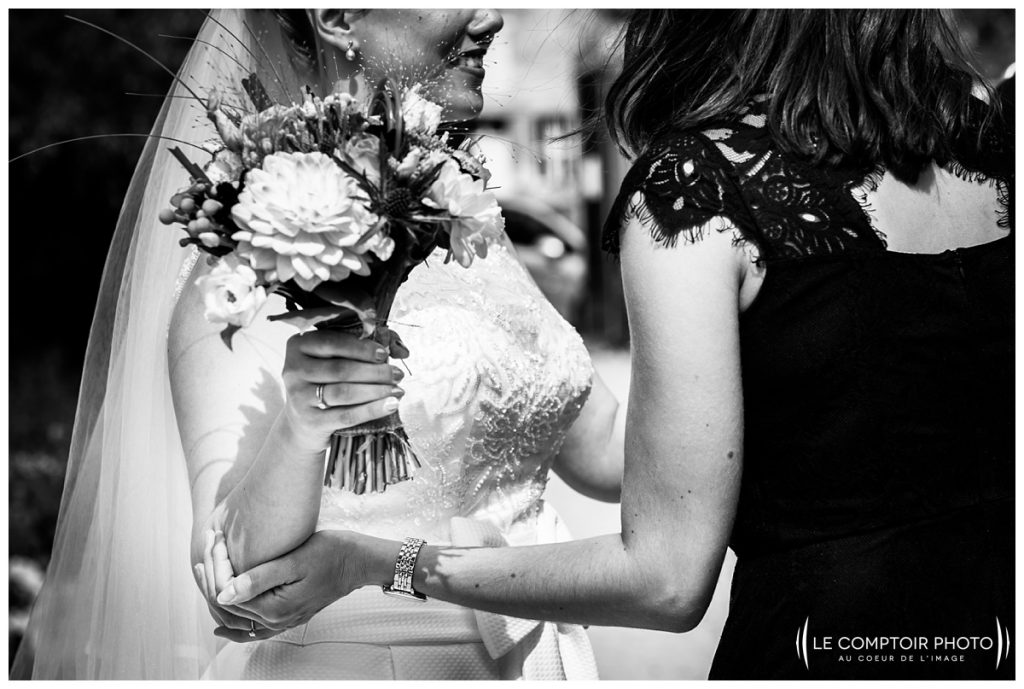 gestes de tendresses_mairie_choisy au bac_Le Comptoir Photo_Photographe mariage oise_Beauvais