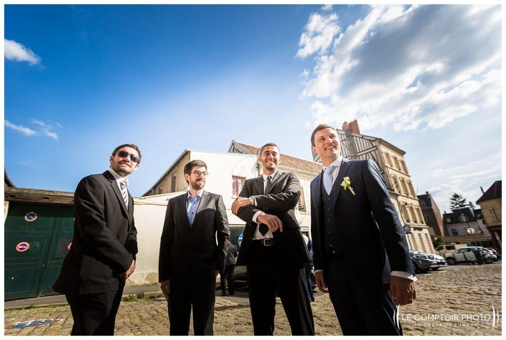 photo sur le vif_marié_invités_église_compiègne-Château Vic-sur-Aisne-Le Comptoir Photo-Photographe mariage oise-beauvais-Picardie-Hauts de france