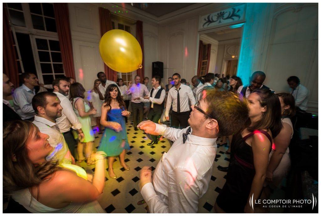 """alt=""""soirée_danse_invités_familles_amis_photos sur le vif_chateau de vic sur aisne_vic sur aisne_Le Comptoir Photo_Photographe mariage oise_Beauvais-picardie-hauts de france"""""""