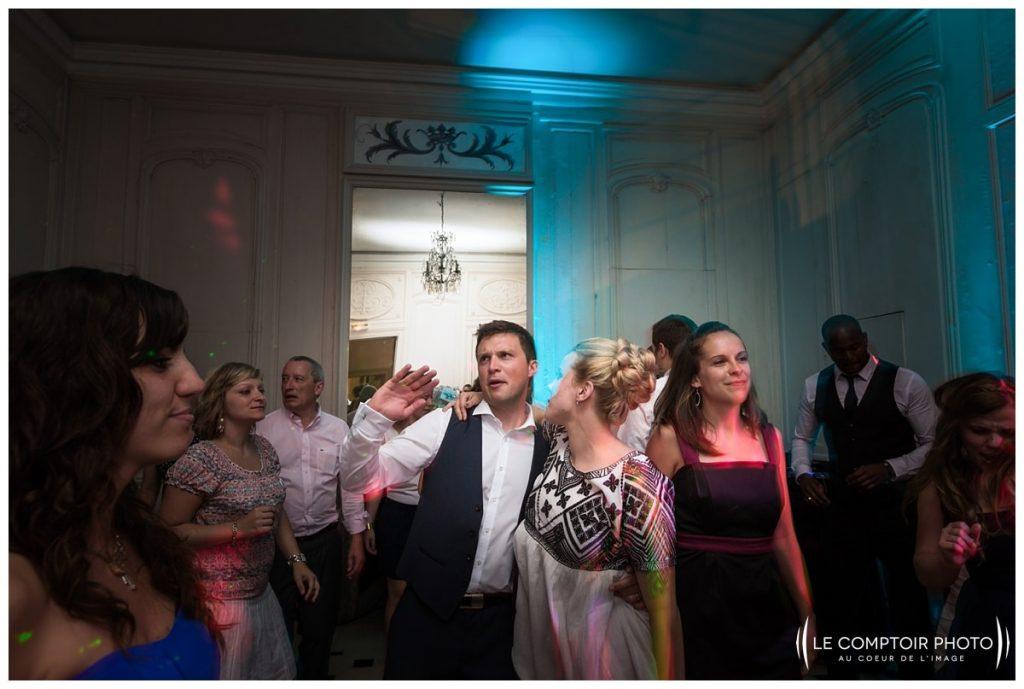 soirée_danse_mariés_invités_familles_amis_photos sur le vif_chateau de vic sur aisne_vic sur aisne_Le Comptoir Photo_Photographe mariage oise_Beauvais-picardie-hauts de france