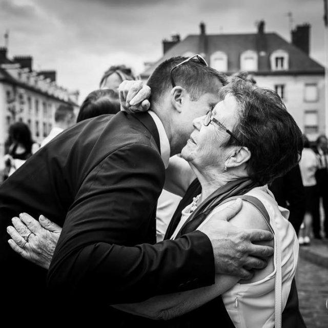 Jadore les embrassades mariage2017 invit compiegne matrimonio guest weddingphotography weddingphotohellip