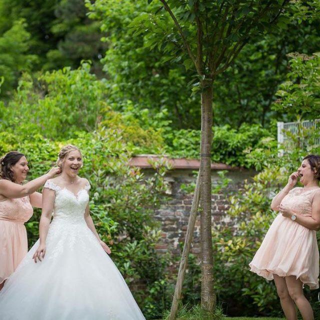 preparatifs de la marie  compiegne gettingready weddingphotography weddingdress bridesmaidshellip