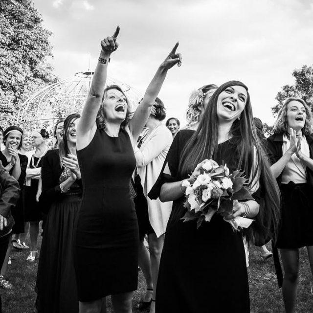 Qui sera la future marie  lancer du bouquet surhellip