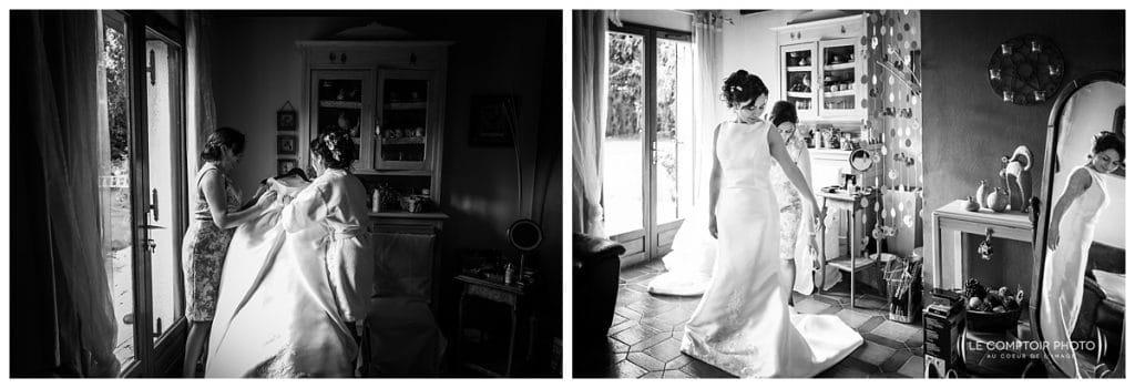 Mariage-Carolina-Fabien-Manoir-de-Chantilly_Gouvieux_Photographe-mariage-Oise_photographe-oise_Le-Comptoir-Photo - mise en robe de la mariée - aide de la maman