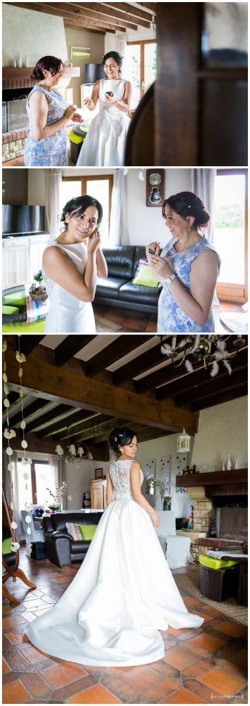 rire entre maman et fille - mise en robe - Mariage-Carolina-Fabien-Manoir-de-Chantilly_Gouvieux_Photographe-mariage-Oise_photographe-oise_Le-Comptoir-Photo