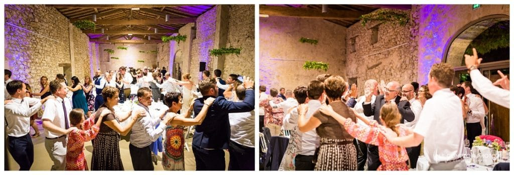Mariage-Chateau Lardier-Ruch-Photographe mariage bordeaux-aquitaine-gironde-dordogne-libourne-bergerac-franco-canadien-americain-Le Comptoir Photo_Photographe mariage France Oise - danse avec les invités francais et canadiens