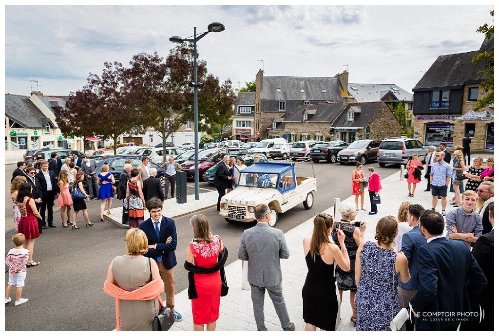 reportage mariage-chateau guilguiffin-bretagne-wedding in brittany-finistere-photographe saint brieuc côtes d'armor-le comptoir photo-arrivée à la mairie de fouesnant