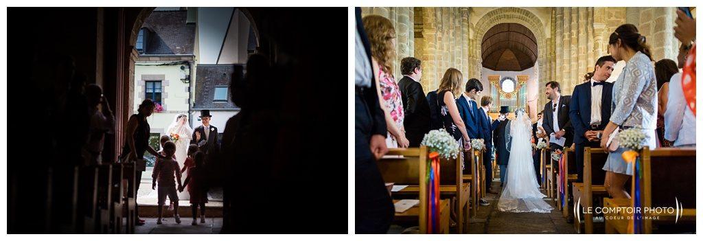 reportage mariage-chateau guilguiffin-bretagne-wedding in brittany-finistere-photographe saint brieuc côtes d'armor-le comptoir photo-entrée dans l'église-fouesnant