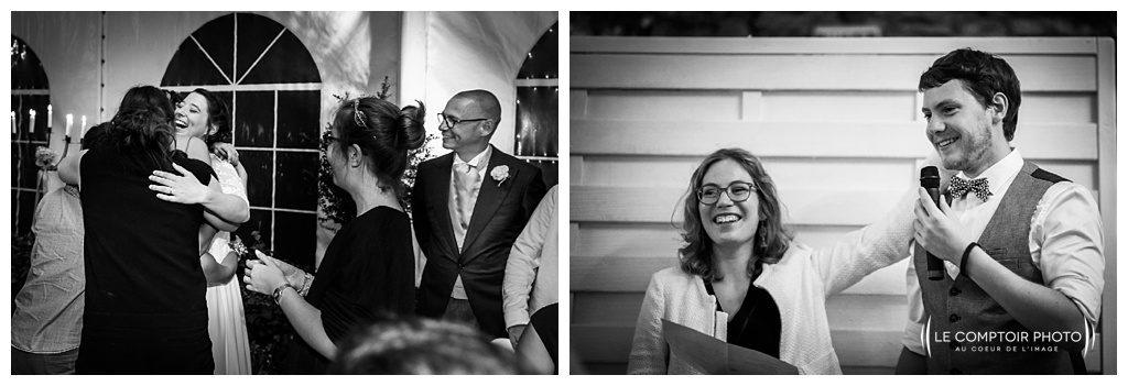 reportage mariage-chateau guilguiffin-bretagne-wedding in brittany-finistere-photographe saint brieuc côtes d'armor-le comptoir photo-discours-ami-embrassade