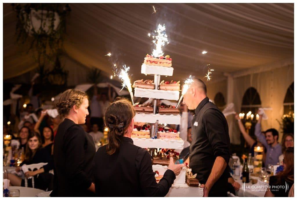 reportage mariage-chateau guilguiffin-bretagne-wedding in brittany-finistere-photographe saint brieuc côtes d'armor-le comptoir photo-arrivée du gateau