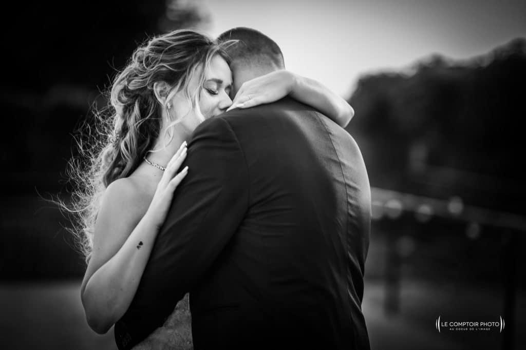 Photographe de mariage à Quimper en Bretagne - Lancé du bouquet