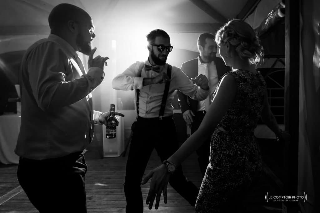 dancefloor - danse des invités - photographe de mariage dans le morbihan en bretagne