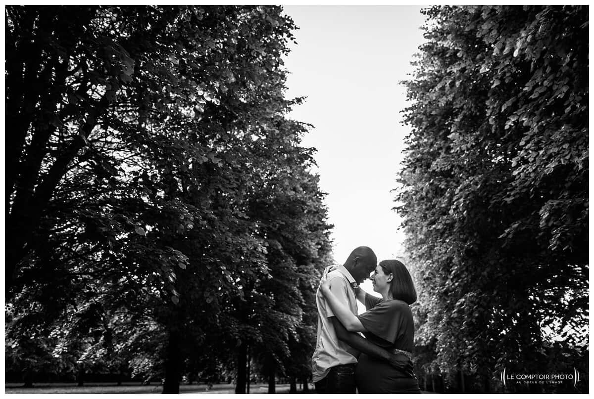 Photographe-séance-portrait-grossesse-couple-Saint-Germain-en Laye_Le Comptoir Photo